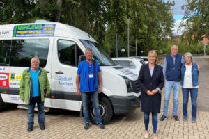Bundestagsabgeordnete Marja Völlers beim Verein Anrufbus Nienstädt